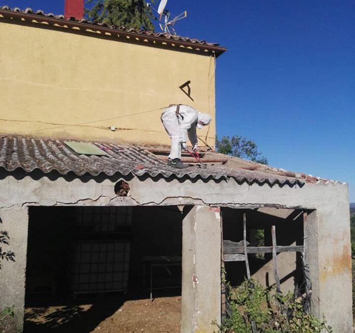 ¡Seguimos trabajando en la retirada del amianto! Esta vez en Villafranca de la Sierra, Ávila
